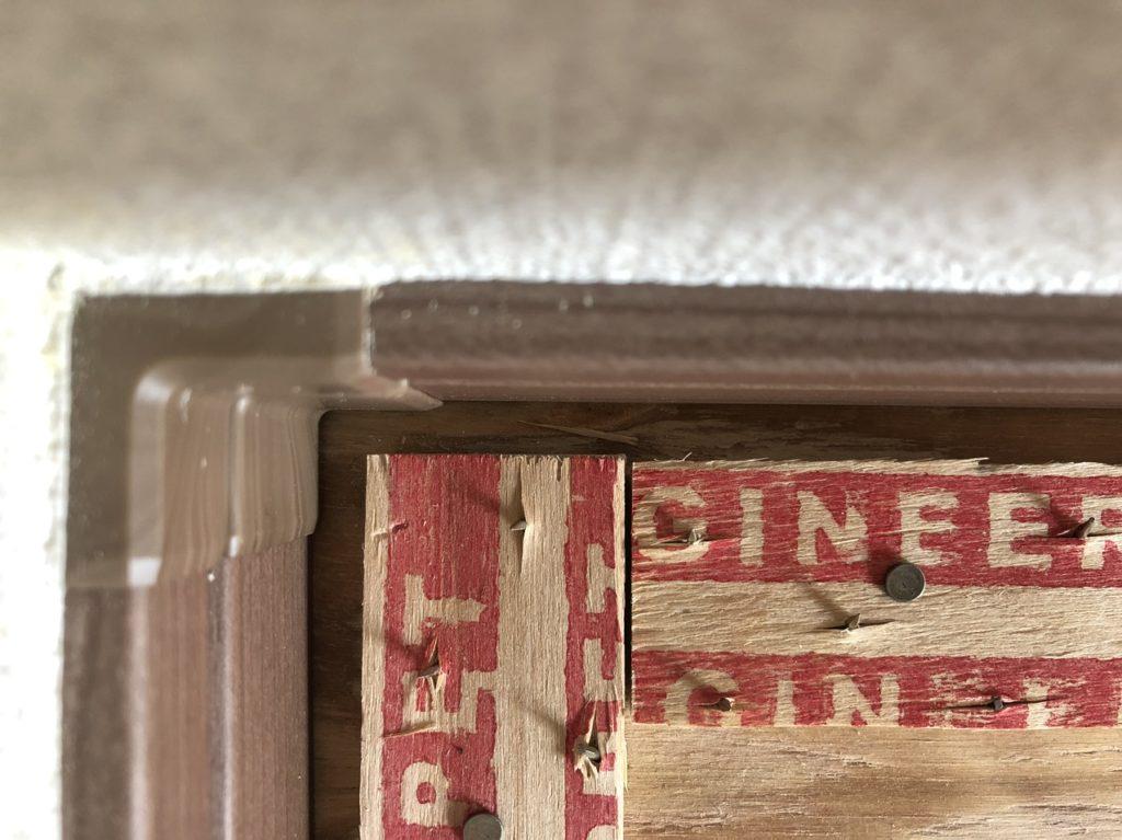 グリッパーは壁から5mmの隙間を残す