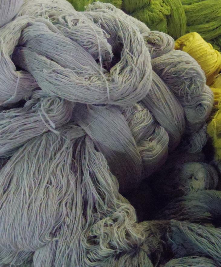 綛(かせ)状態のウール糸