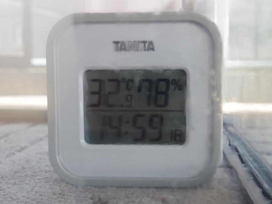 湿度計78%の表示