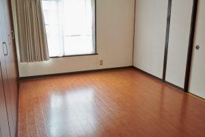 フローリング6畳の洋室